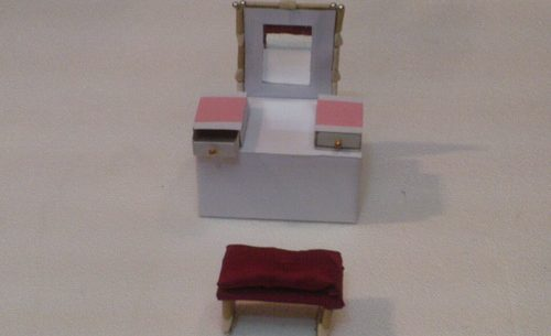 How to Make a Dresser and Mirror for a Doll