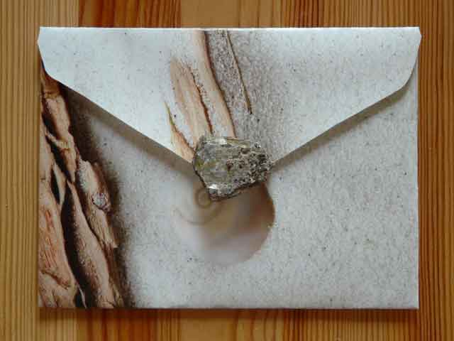 How to Make an Attractive Envelope Clutch