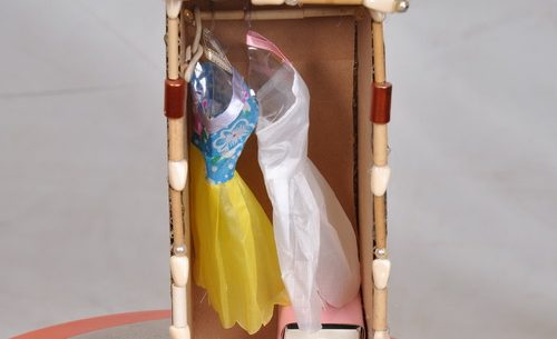 Simple Way to Create a Doll Closet