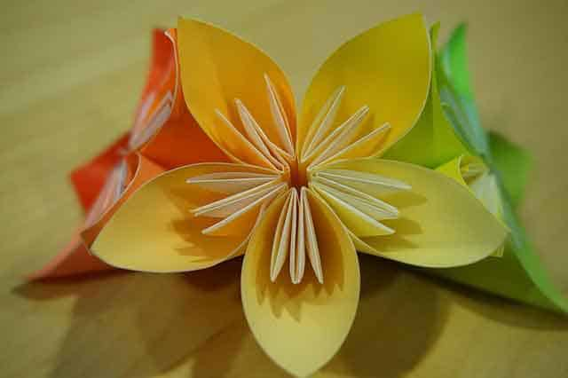 Instructions to make an origami kusudama flower bouquet hello make an origami kusudama flower mightylinksfo