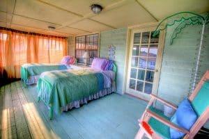 teenagers' bedroom