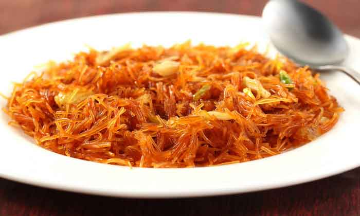Sweet Vermicelli with Cinnamon Powder at Home