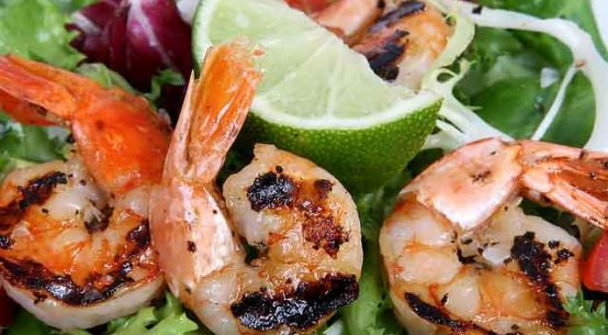 10 Minutes simple grilled shrimp skewers recipe