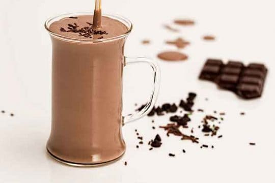 2 Different Ways to Make Chocolate Milkshake Recipe at Home