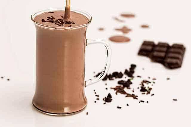 2 Different Ways to Make Chocolate Milkshake Recipe at Home