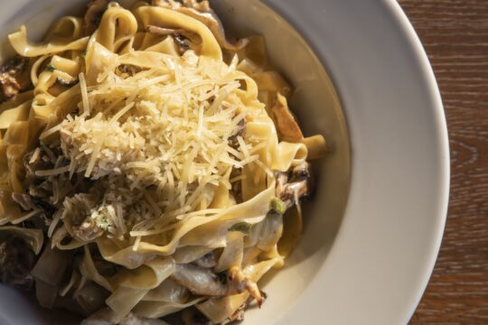 2 Recipes for Fettuccine with Creamy White Mushroom Sauce